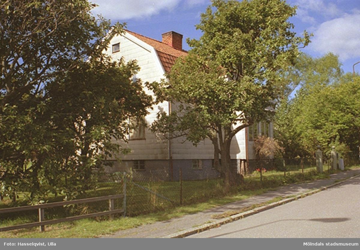 Dokumentation inför rivning av villa på Tribungatan 10, Åby 1:75, 1996-09-16.