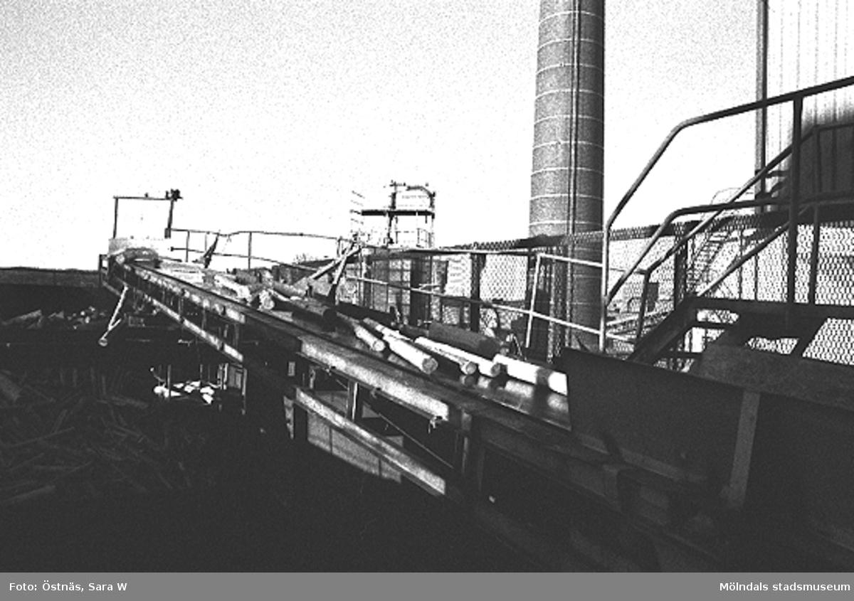 Råvarutransport till pappersfabriken.Bilden ingår i serie från produktion och interiör på pappersindustrin Papyrus.