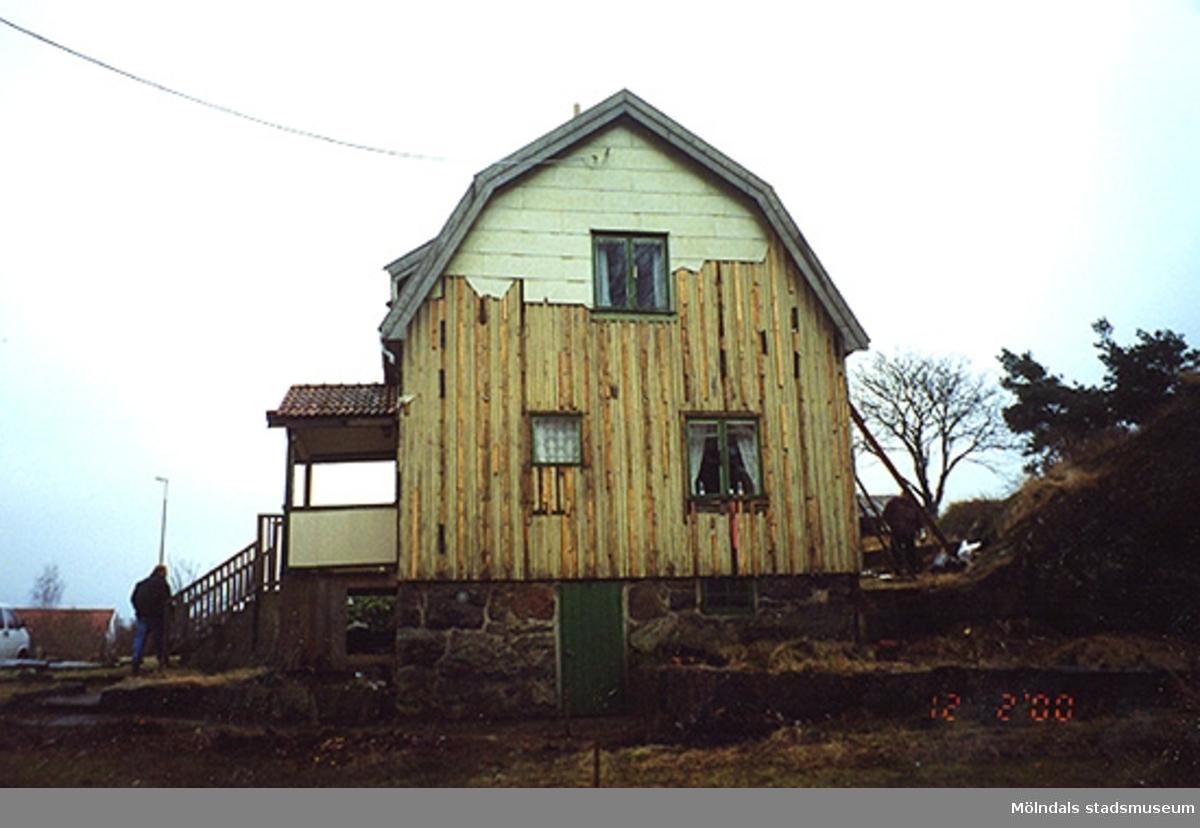 Ett bostadshus.Bigatan 5, Renen 2, Sörgården 2000-02-12.