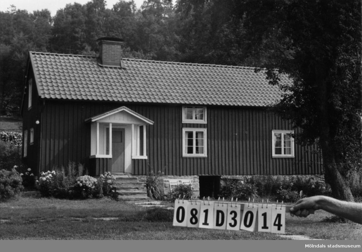 Byggnadsinventering i Lindome 1968. Greggered 3:37. Hus nr: 081D3014. Benämning: fritidshus och ladugård. Kvalitet: god. Material: trä. Tillfartsväg: framkomlig.