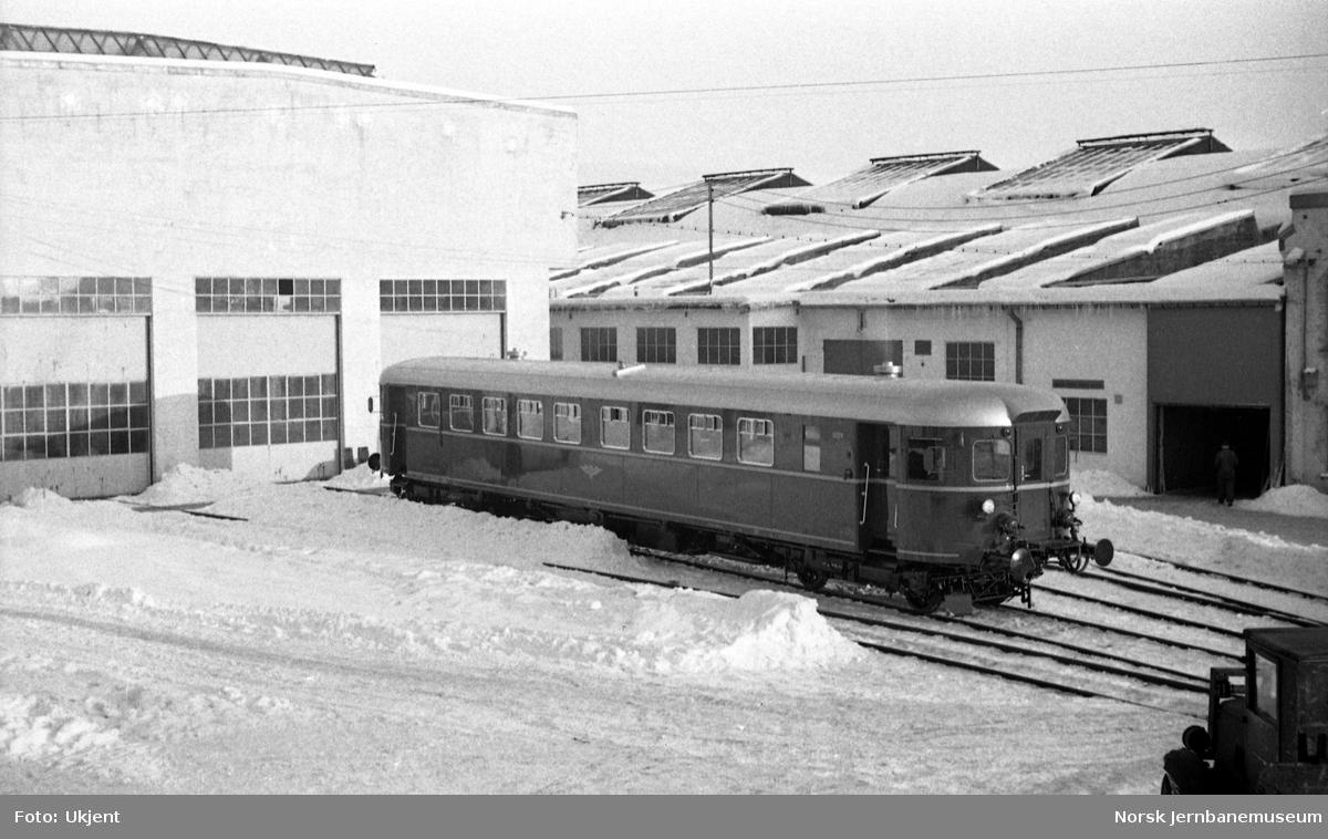 Dieselmotorvogn type 6 (86) nr. 18324 ved levering