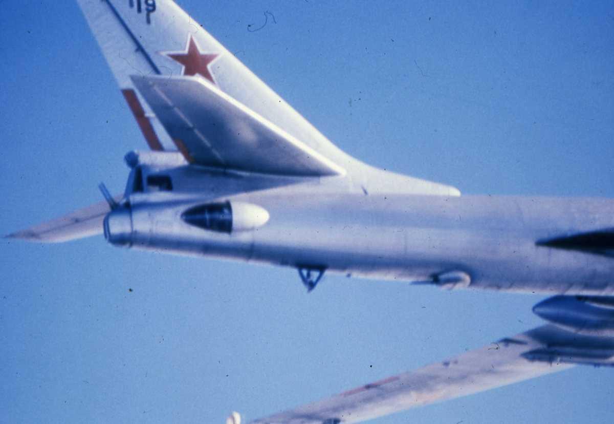 Russisk fly av typen Badger G med nr. 19.