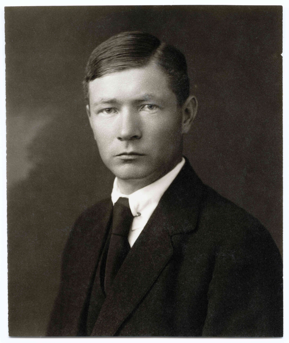 Almqvist, Osvald (1884 - 1950)
