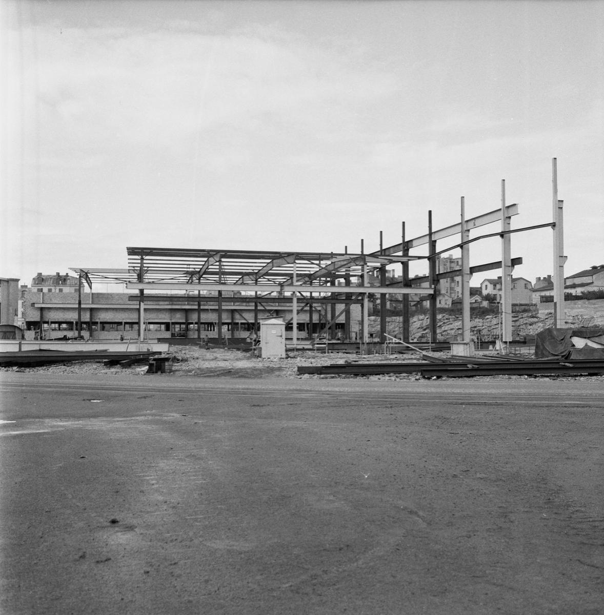 Övrigt: Fotodatum:31/8 1962. Byggnader och Kranar. Nybyggnations område. Kraftcentralen och Plåtverkstan