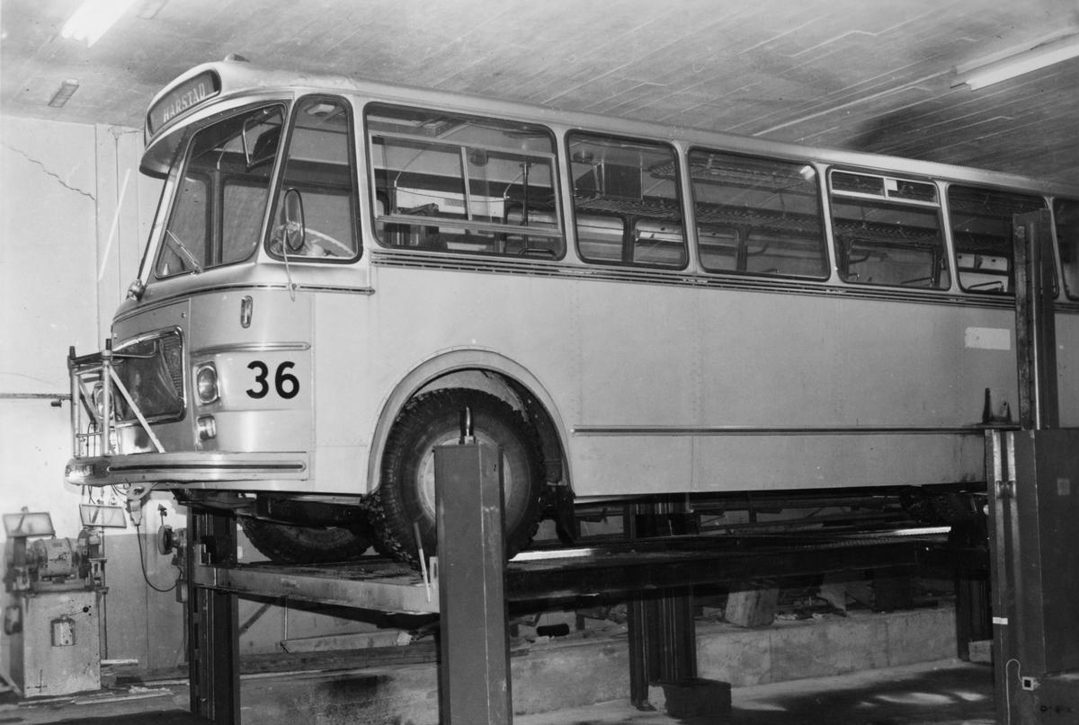 Buss på HORBs verksted på Seljestad.