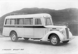 Senja Rutebils buss X-41, fotografert på kaia i Harstad.