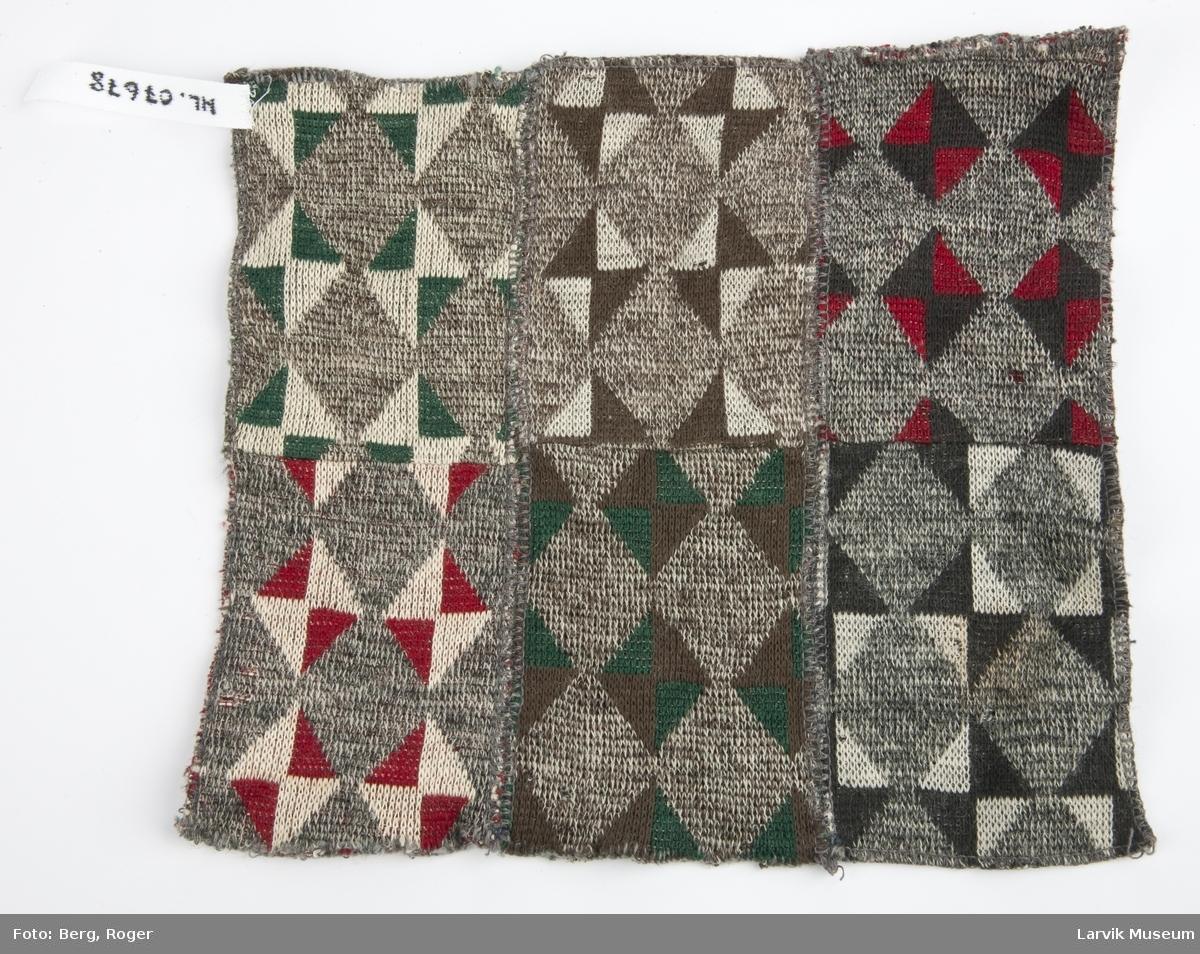 Firkantet strikket  dukketeppe. 6 lapper sydd sammen. Mønster: Rektangler