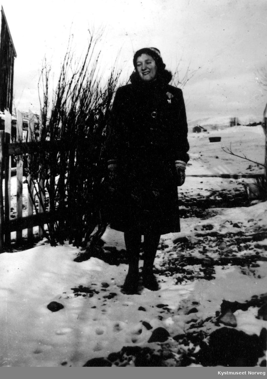 Kvinne i vinterklær.