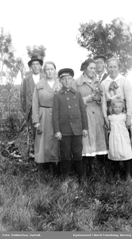 Ingvar Hamran, Aslaug Bjørgan, Erling Edvardsen, Signe Evenstad, Johan Odin Evenstad, Agnes Dekkerhus og ei ukjent jente