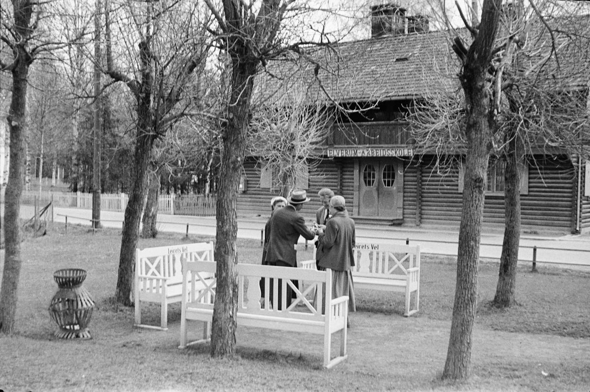 17. mai. Elverum.  1954. Parken ved Glomvang.