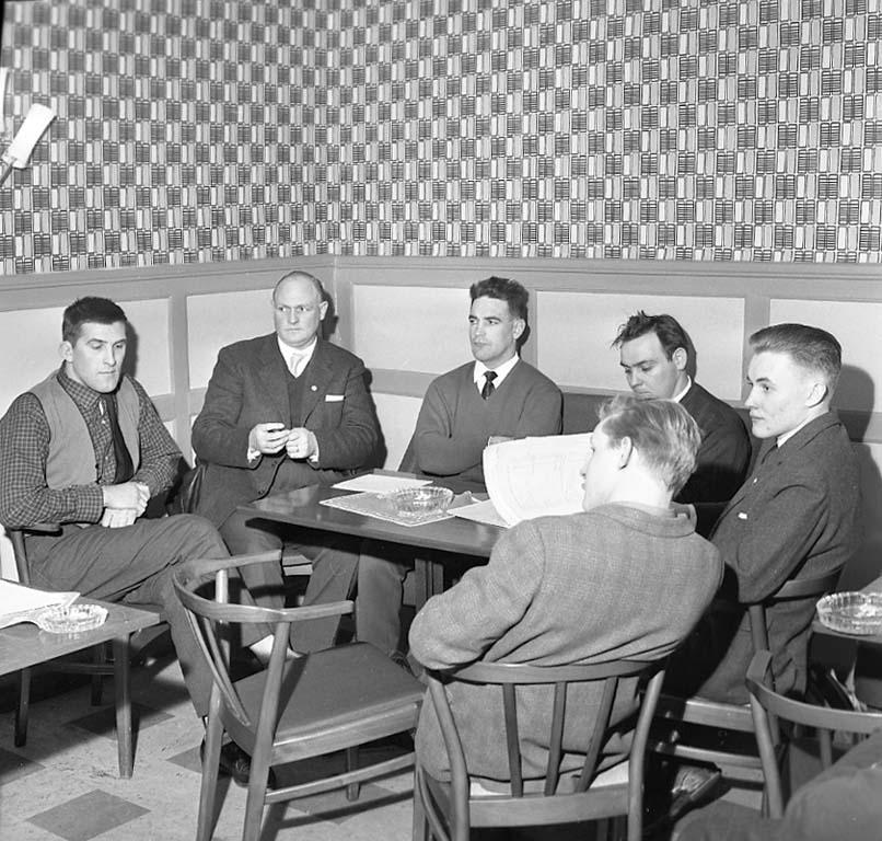 """Enligt notering: """"U A K årsmöte på Wivex (Brottarna) 27/1 1961""""."""