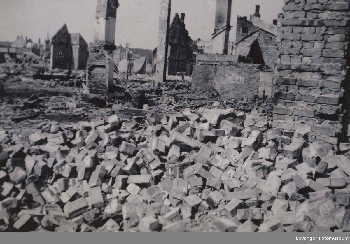 Steinkjer etter bombingen.