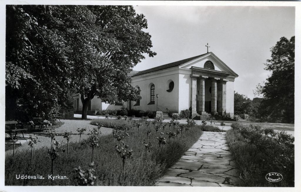 """Text till bilden: """"Uddevalla. Kyrkan""""."""