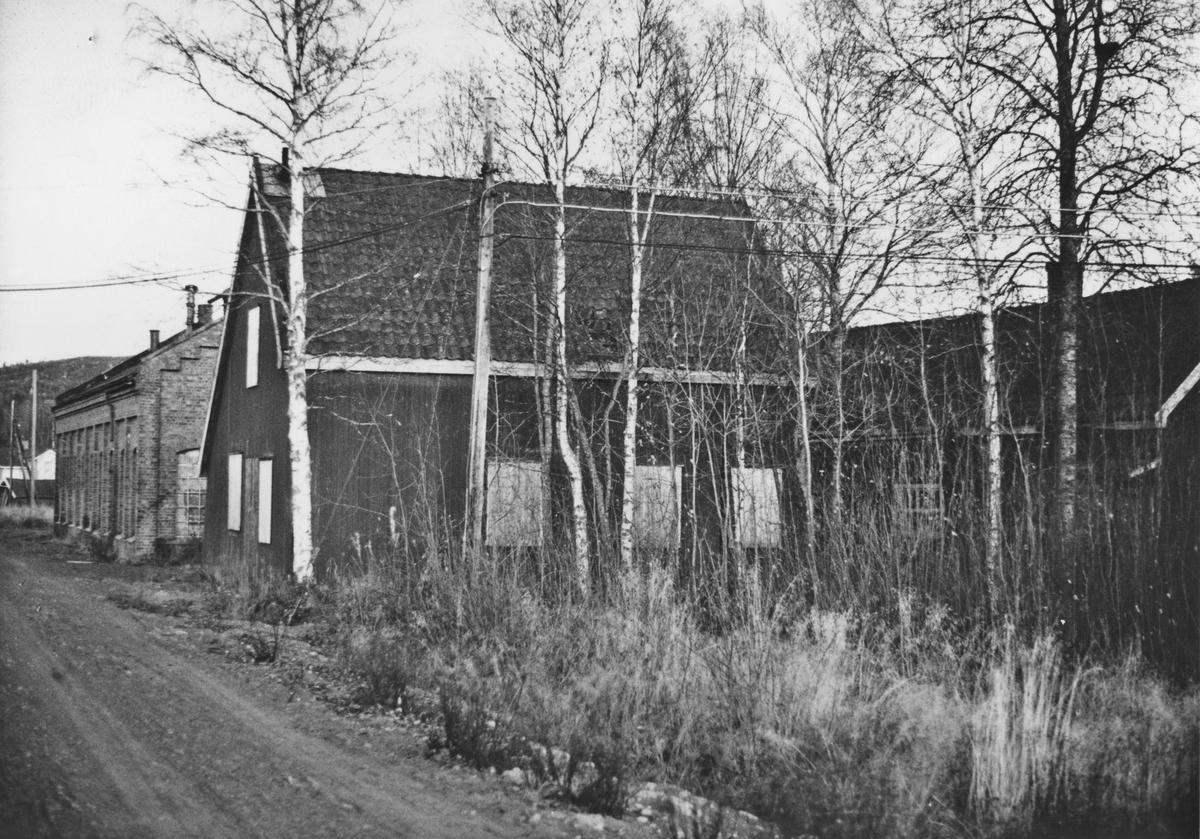 Fra verkstedområdet på Bjørkelangen åtte år etter Urskog-Hølandsbanens nedleggelse.