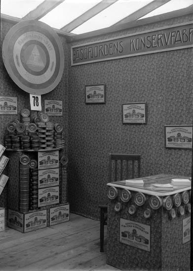 Gåsöfjordens Konservfabrik presenterades på Uddevallautställningen 1928