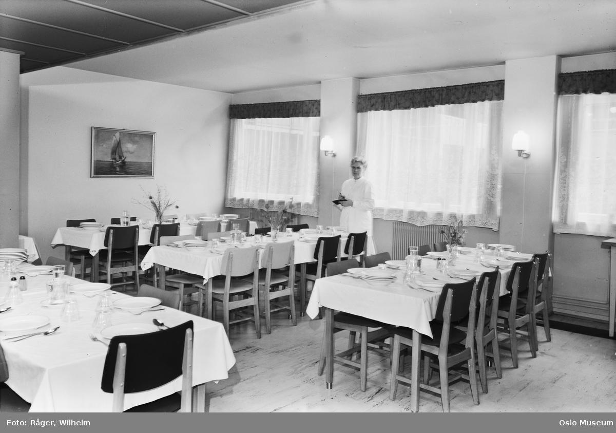 Blå Kors-gården, interiør, spisesal, langbord, oppdekning, kvinne