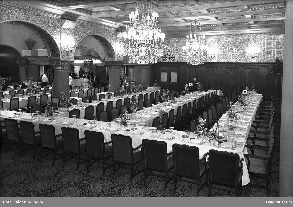 Hotel Bristol, interiør, Mauriske hall, langbord, oppdekning