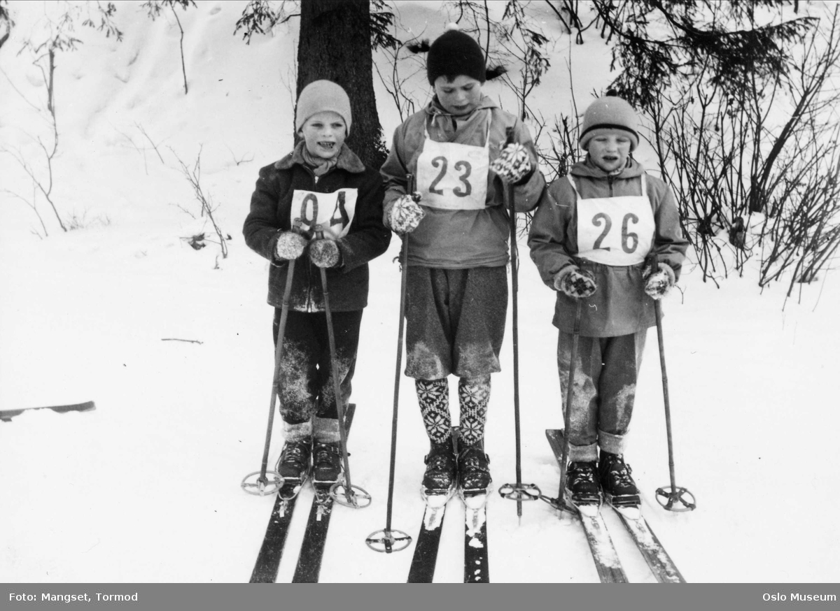 vinter, ski, staver, barn, skirenn, konkurranse, startnummer, skiantrekk