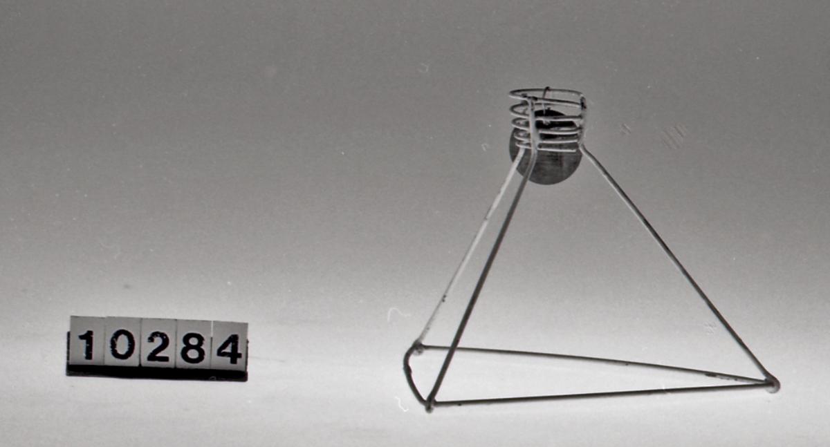 Form: trekantet tverrsnitt