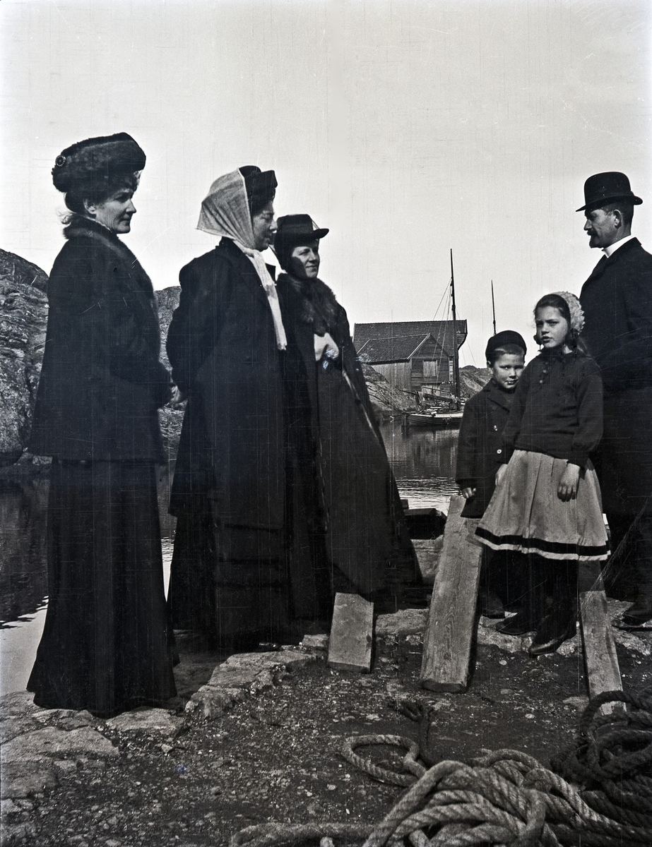 Gruppebilde - Ved sjøen.