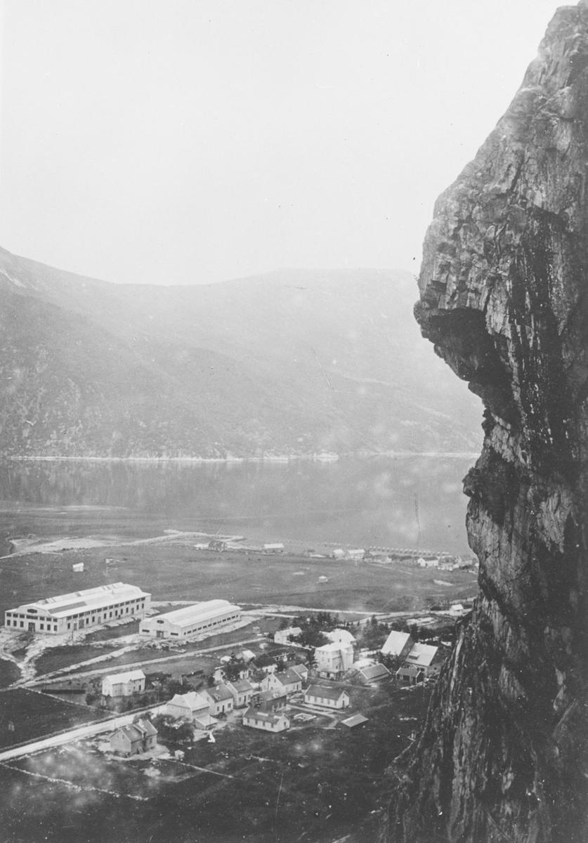 Sunndalsøra, industrianlegget under siste krig.