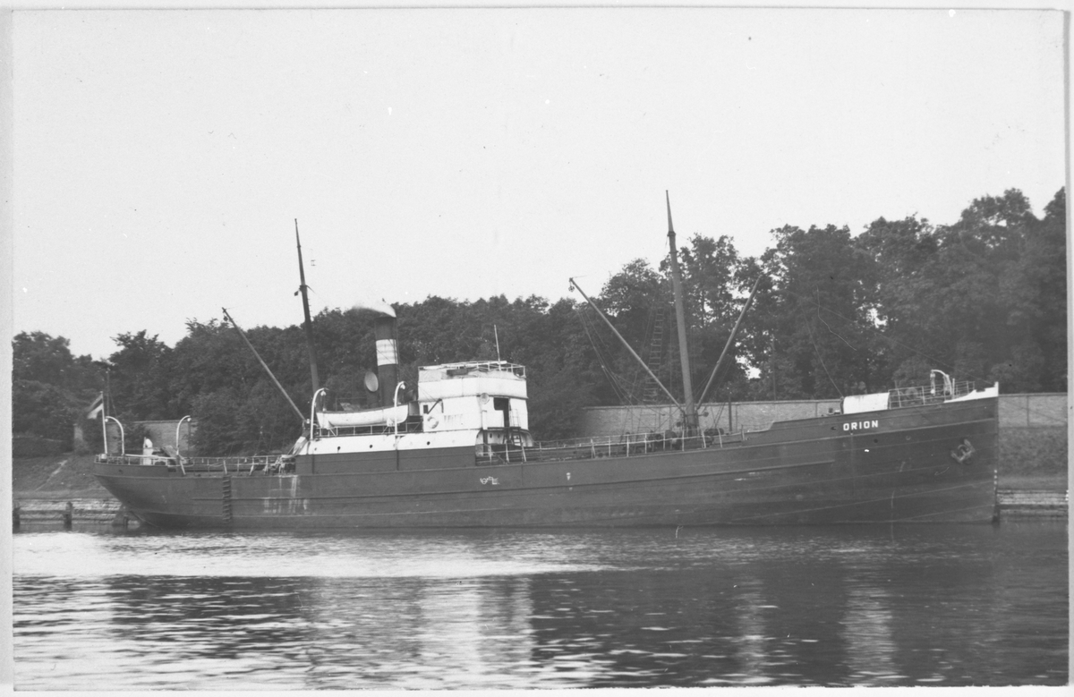 Ångfartyget ORION av Reval.