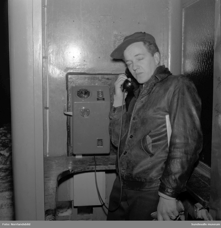 Nya telefoner i telefonkioskerna.