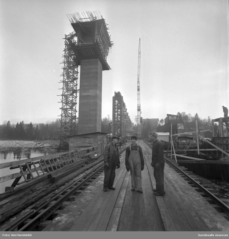 Bygget av Alnöbron är påbörjat.