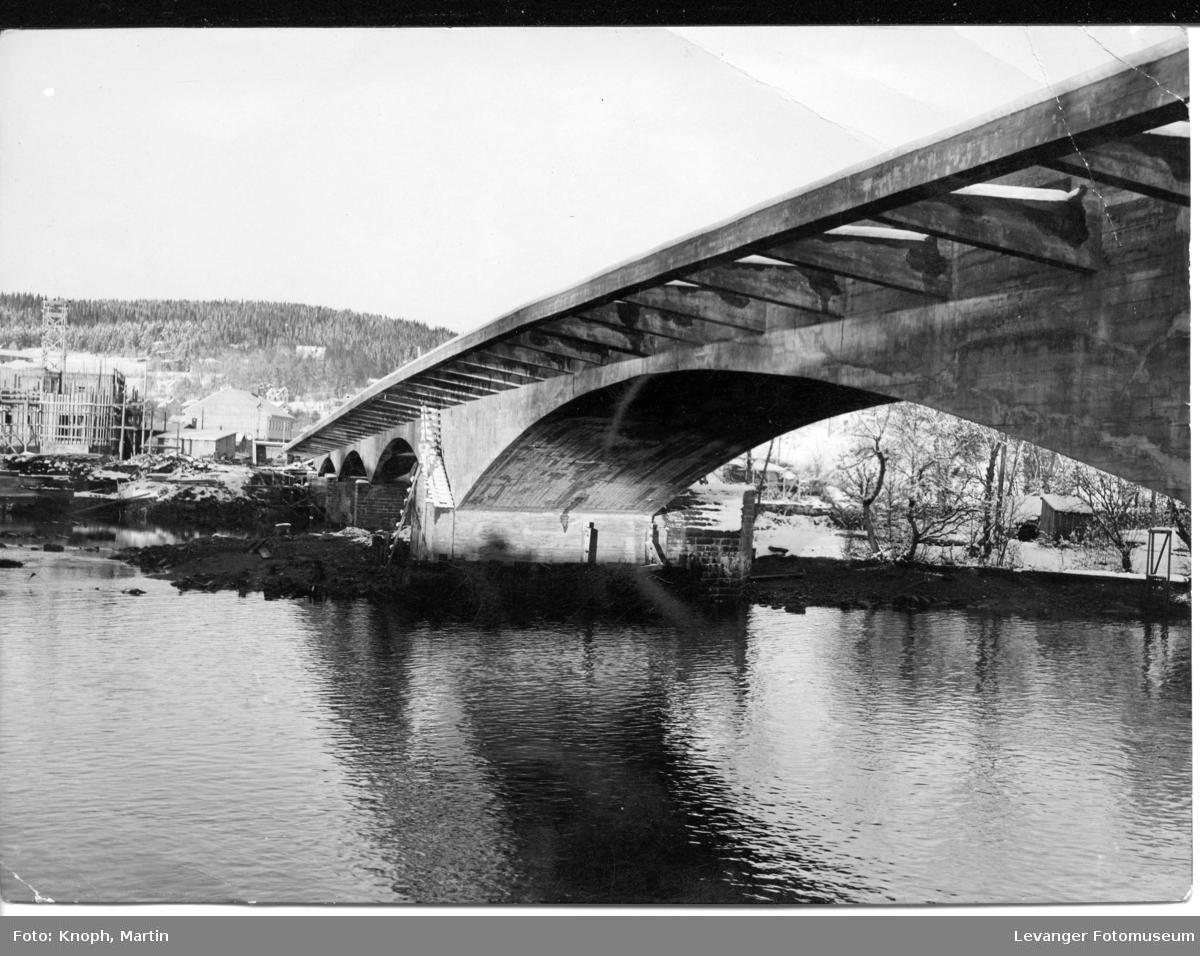 Nybygd bro ved Steinkjer