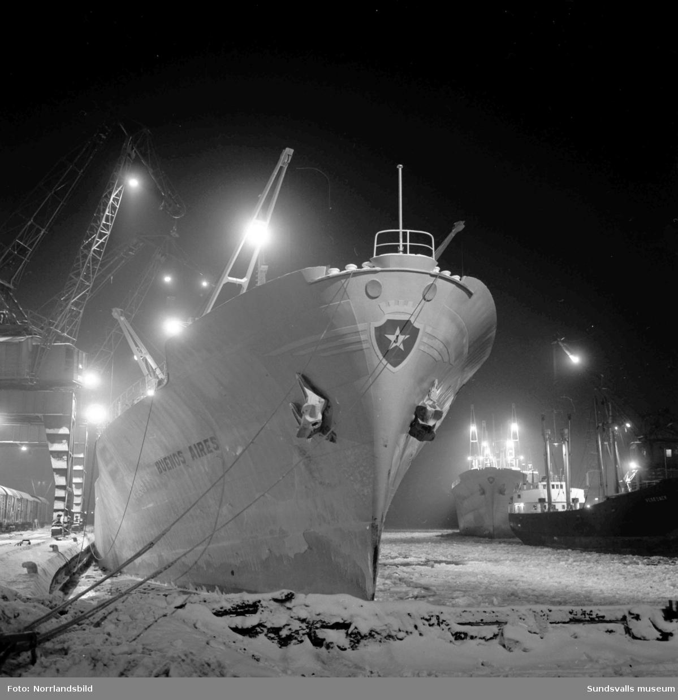 Systerbåtarna Rio de Janeiro och Buenos Aires i Sundsvalls hamn.