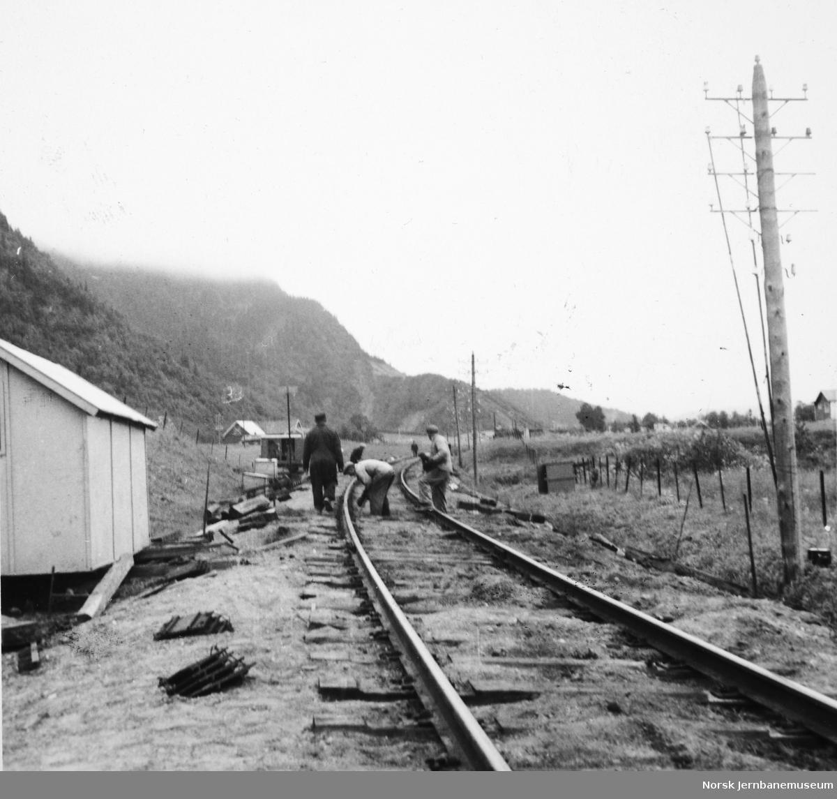 Legging av 49 kilos skinner på Størenbanen