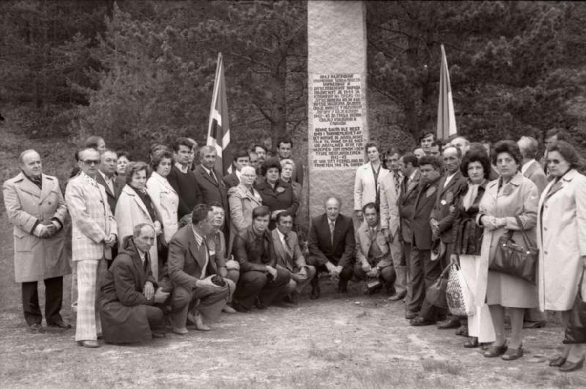 Minnehøytidelighet .Jugoslavisk fangeleir.
