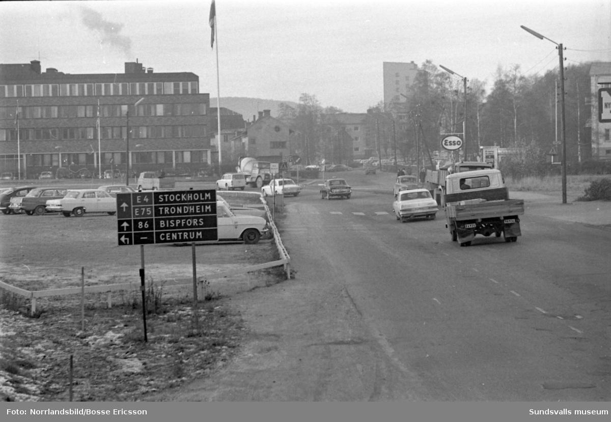 E4 genom Sundsvall vid SCA-huset på Norrmalm.
