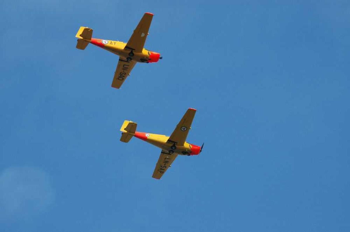 To fly i lufta. SAAB SAFIR, LN-SAO (U-AY) og SAAB SAFIR, LN-SAP.