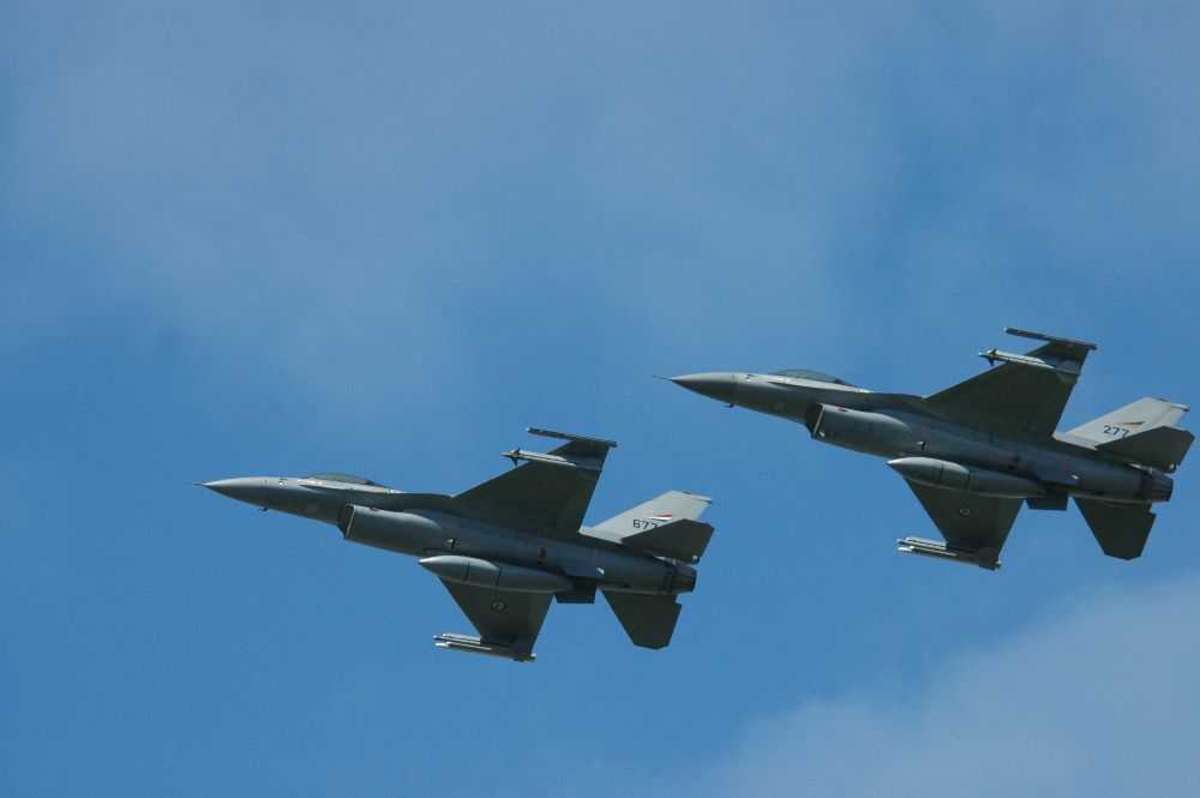 To fly i lufta. Jagerfly F-16