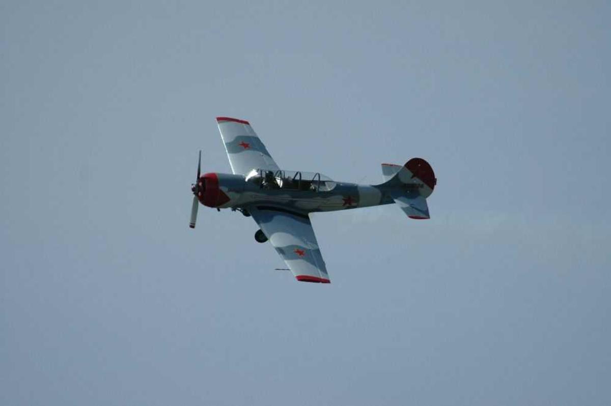 Ett fly i lufta Yakovlev Yak-52, cn 833206