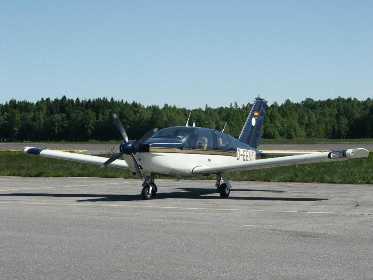 Ett fly på bakken, Socata TB-20 Trinidad, D-EEUD.