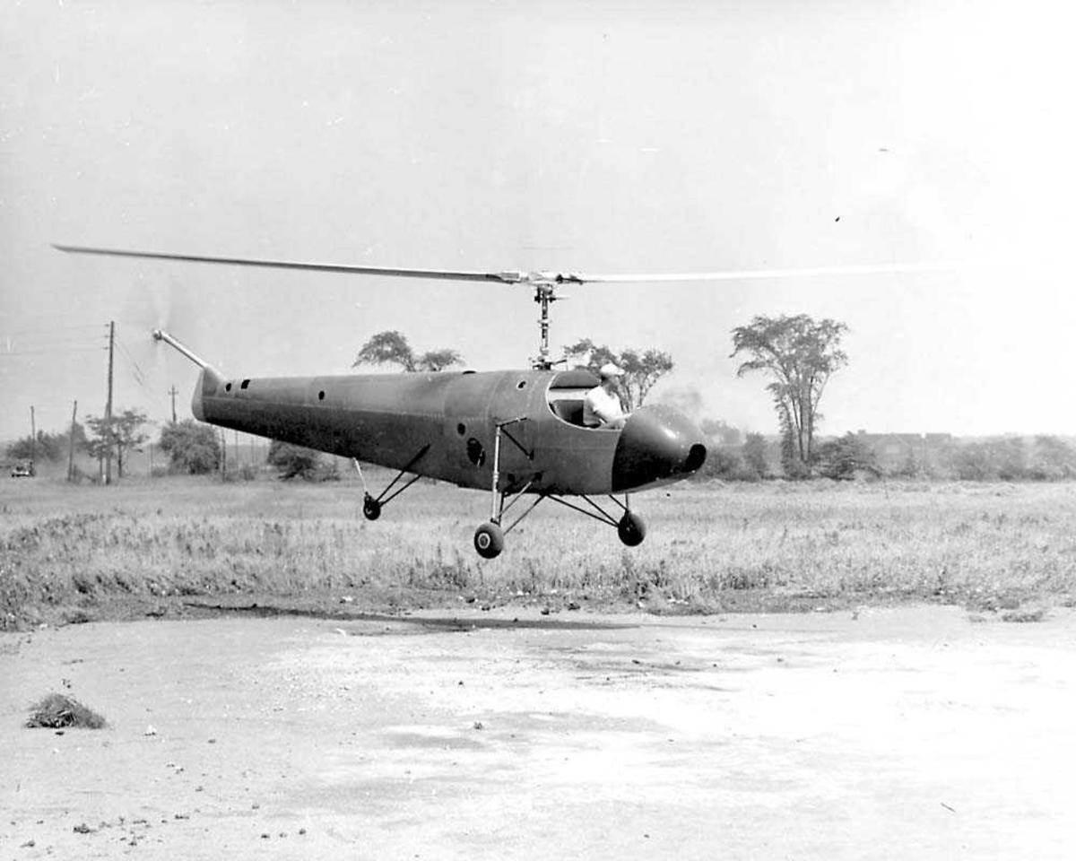 1 helikopter i luften. Bell model 30.