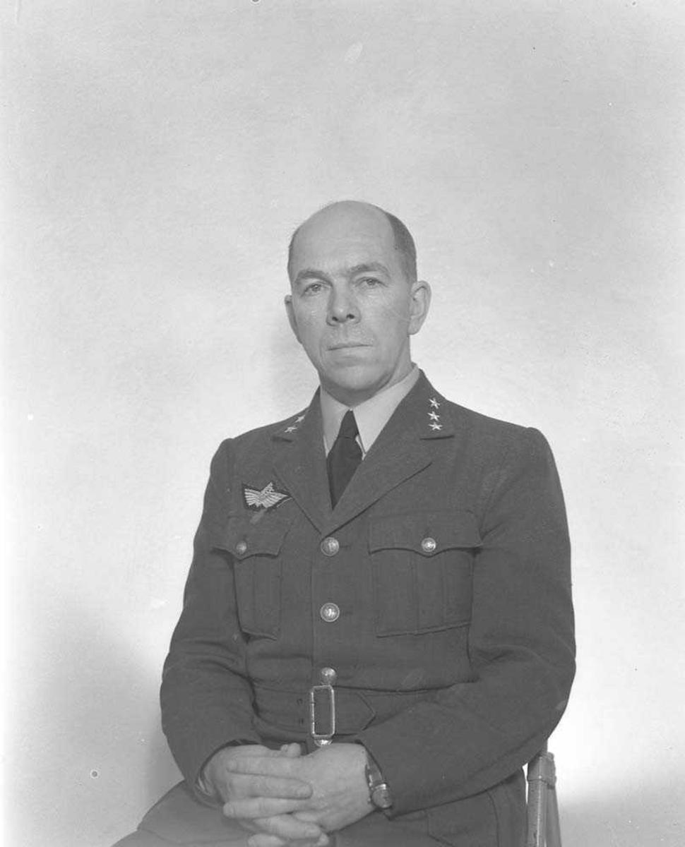 Kaptein Carsten Harr.
