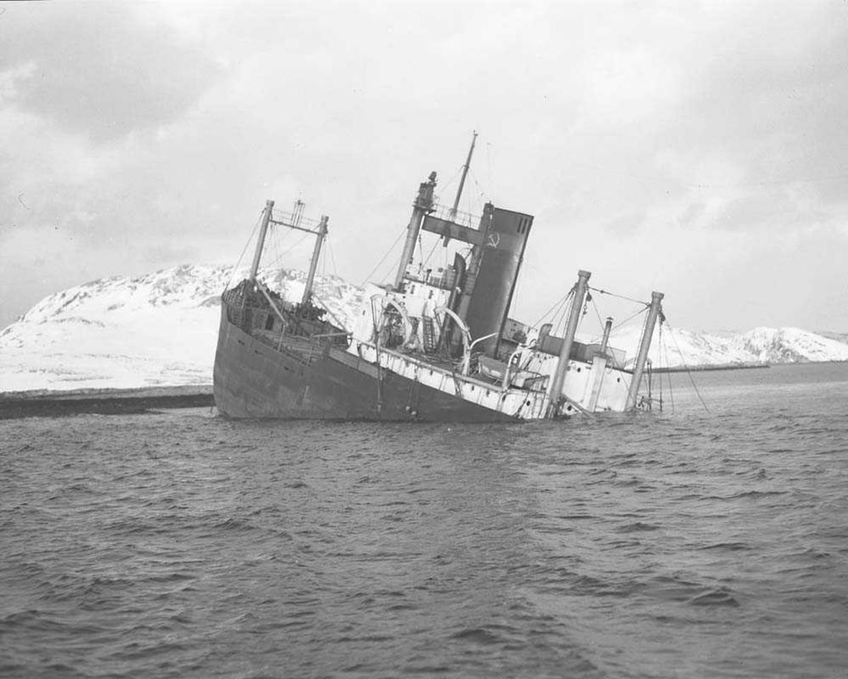 Kollisjon mellom en Russisk og Tysk båt i Vestfjorden.