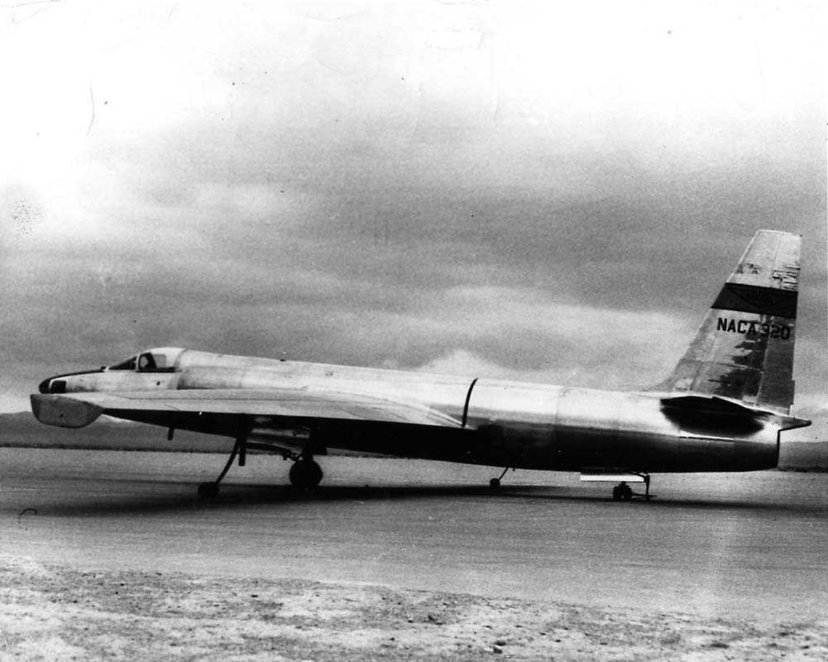 Ett fly på bakken, Lockheed U2.