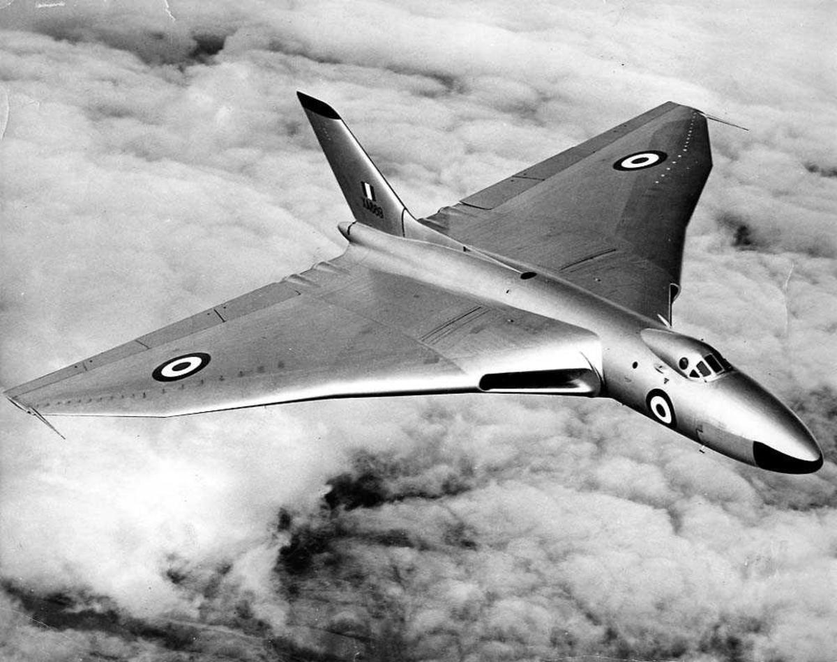 Luftfoto. Ett fly i luften, Avro 698 Vulcan B.2.