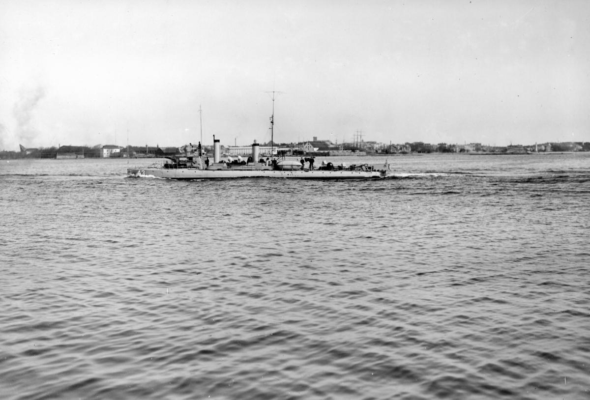 Fartyg: ARGO                            Byggår: 1909 Varv: Bergsunds MV Övrigt: Torpedbåten Argo under gång