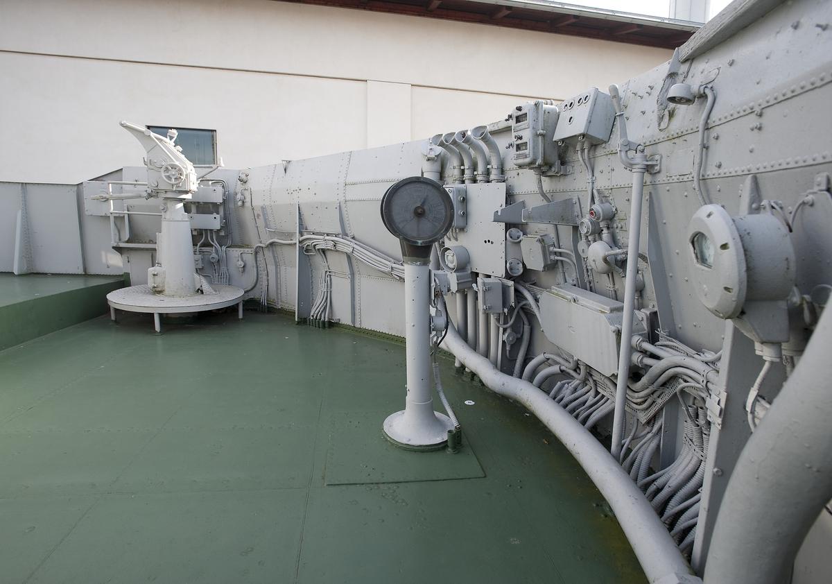 Fartyg: BREMÖN                         Bredd över allt 7,6 meter Längd över allt 54,5/56,7 meter  Byggår: 1940 Varv: Eriksbergs MV Övrigt: Detaljer ombord Minsveparen Bremön