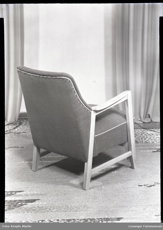 Møbel produsert av Nordenfjeldske stol og møbelfabrikk  II