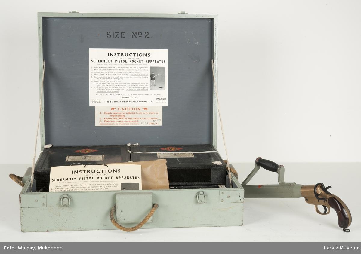 Håndpistol i kasse m. 4 liner for utskytning