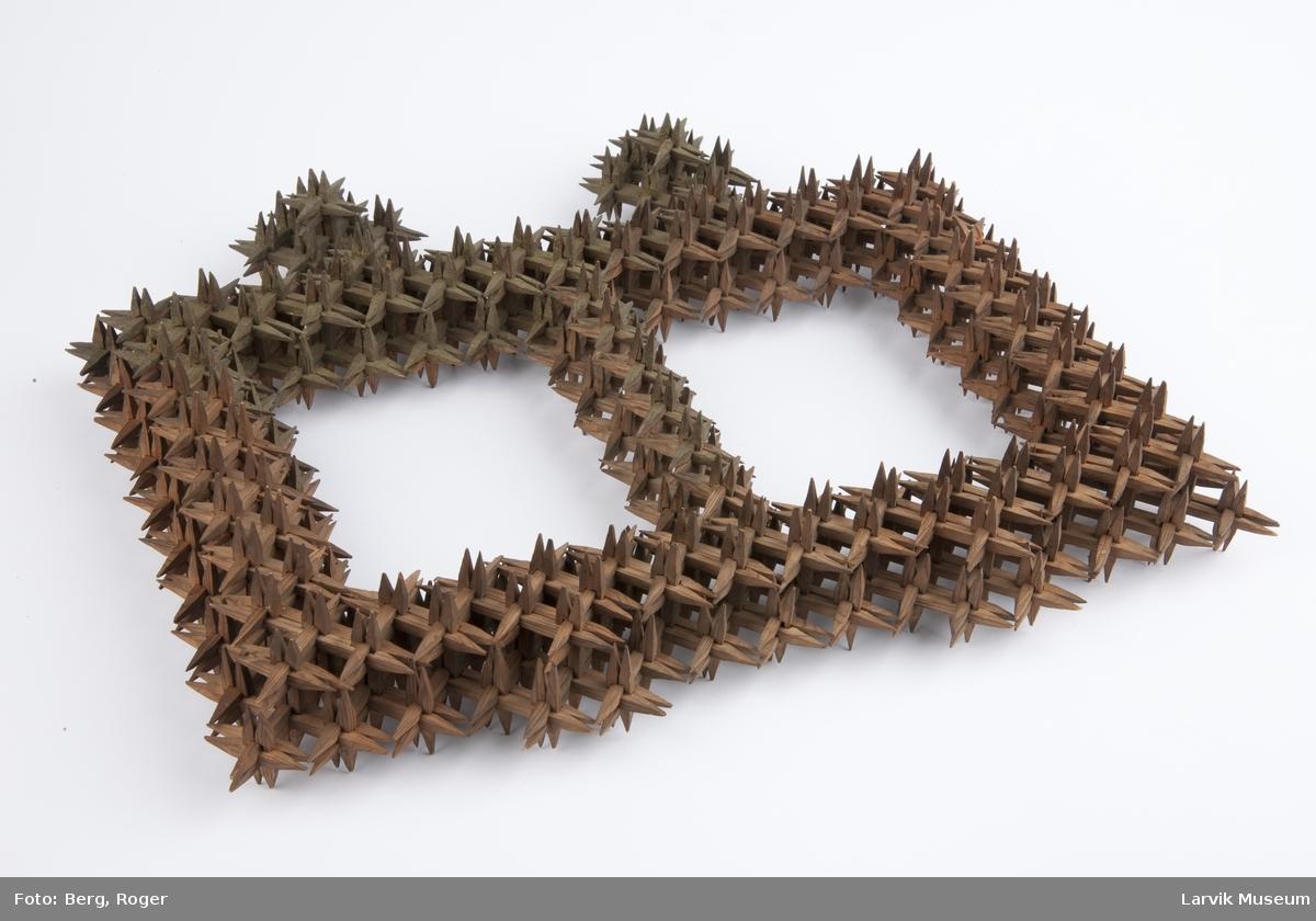 Pinneramme av skråtobakkspinner med plass til 2 bilder