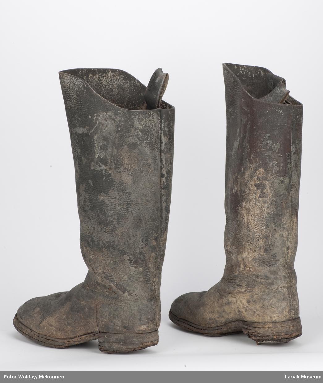 Lærstøvler m. metallpigger under hælen