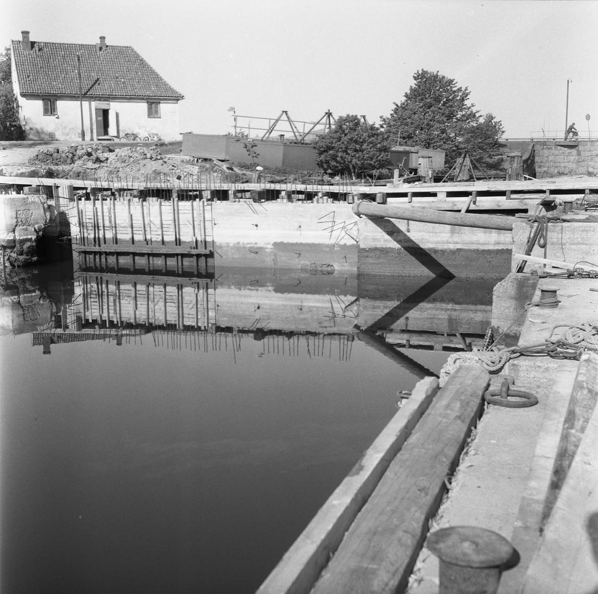 Övrigt: Fotodatum:21/5 1959 Byggnader och Kranar. Polhemsdockan (fångdammen)