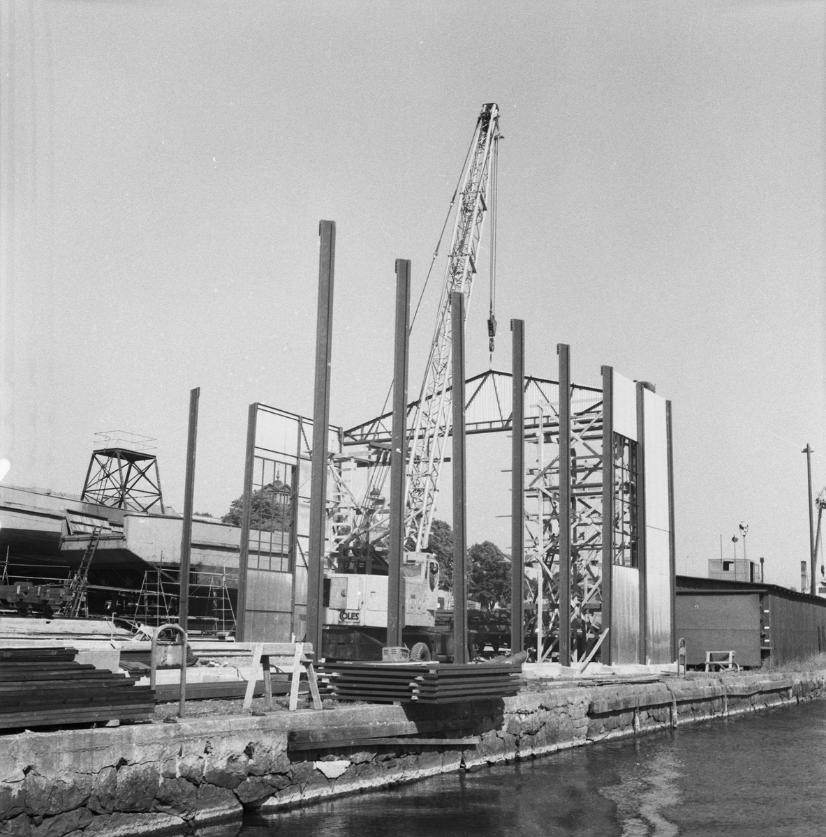 Övrigt: Fotodatum:20/8 1959 Byggnader och Kranar. Skjul å slipen